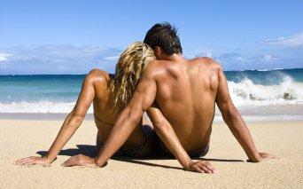 317427__love-couple-beach-waves_p