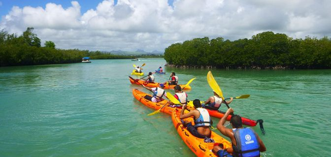 sea-kayaking-trip-ile-ambre-half-day (10)