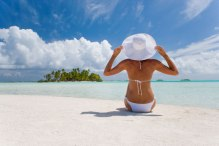 woman-on-beach-GWT